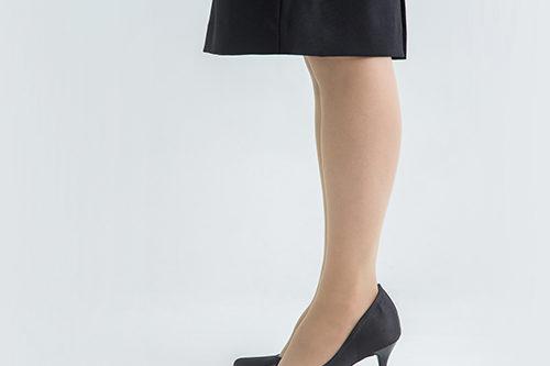 スカート丈はひざが隠れるぐらい