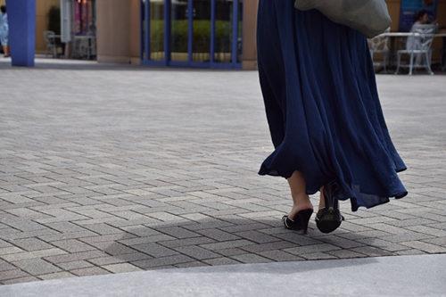 スカート丈は長めに