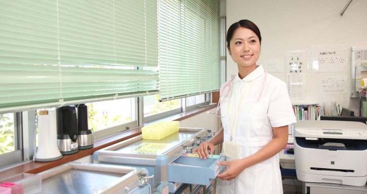 女性看護師の洋服選び