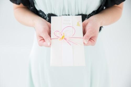 結婚式の受付の服装の注意点